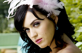 Ebben ment a díjátadóra! Katy Perry kínosan mellélőtt a ruhaválasztással