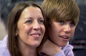 Justin Bieber anyja