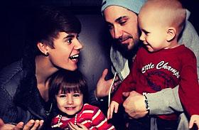 Így még tuti nem láttad! Justin Bieber intim pillanatokat osztott meg rajongóival