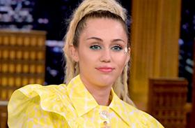 Miley Cyrus és Jane Fonda