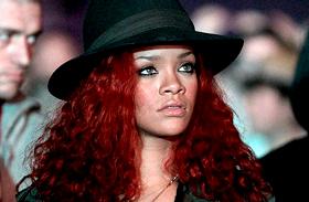 Egyre mélyebbre süllyed! Már kemény drogokhoz nyúlt az énekesnő?