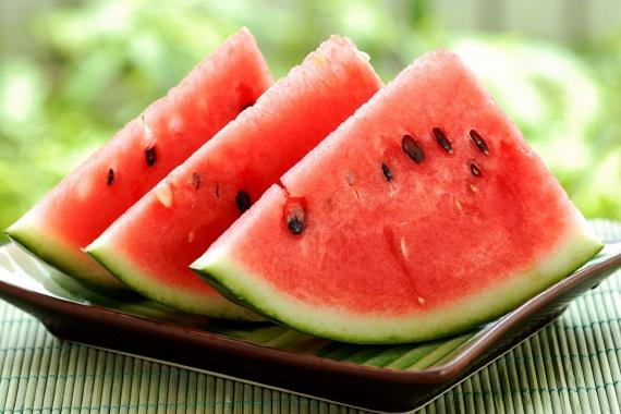 Dinnyéből is érdemes minél többet fogyasztani, hatása a benne található likopinnak köszönhetően a paradicsoméval vetekszik.