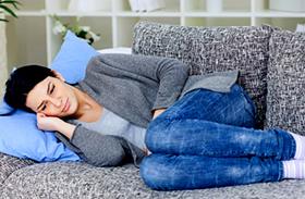 Gyömbér és masszázs menstruációs görcsök ellen