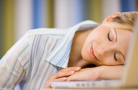 Fejfájás, koncentrációs zavar, fáradékonyság - A krónikus kimerültség tünetei