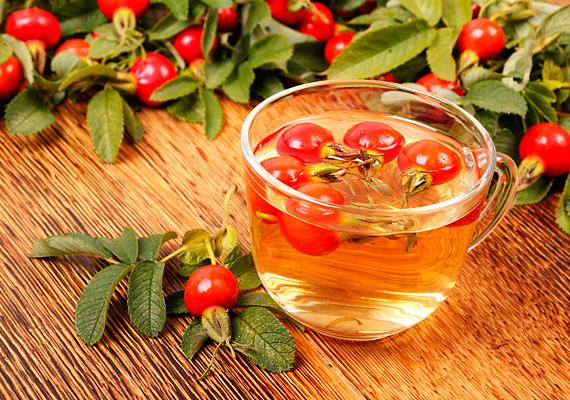 A csipkebogyótea igazi klasszikus, ha a téli immunerősítésről, illetve a megfázás megelőzéséről van szó, ami nem véletlen, hiszen igen komoly mennyiségben található benne C-vitamin, ami elengedhetetlen az erős immunrendszerhez. Kattints ide, ha többet szeretnél tudni a teáról!