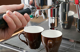 Meddig jó a lefőzött kávé?