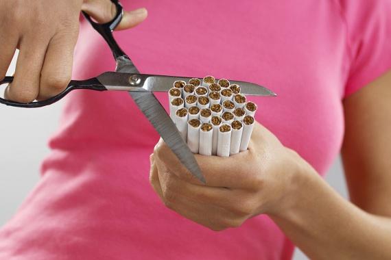 Általában az orvos is elmondja, nem lehet azonban eléggé hangsúlyozni, hogy szájsebészeti, de más komolyabb fogorvosi beavatkozás után is tilos dohányozni, amellett ugyanis, hogy gyulladást okozhat, lényeges mértékben lassíthatja a gyógyulást.