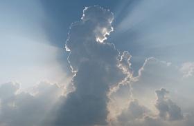 Angyal alakú felhők