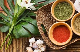 Májtisztító növények, ételek és fűszerek