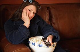 Te mennyit ülsz a tévé előtt? Ez okozhatja az elhízást a legújabb kutatás szerint