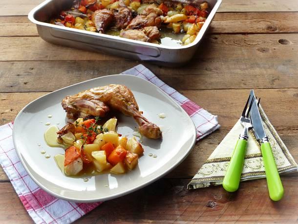 Sült csirkecomb krumplival és sütőtökkel