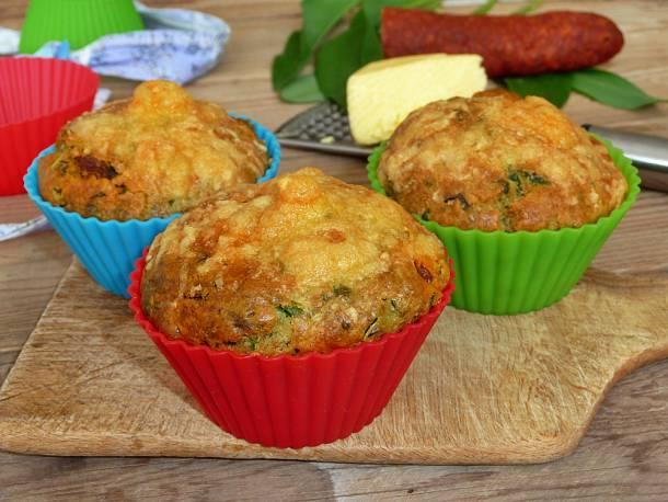 Medvehagymás-kolbászos muffin