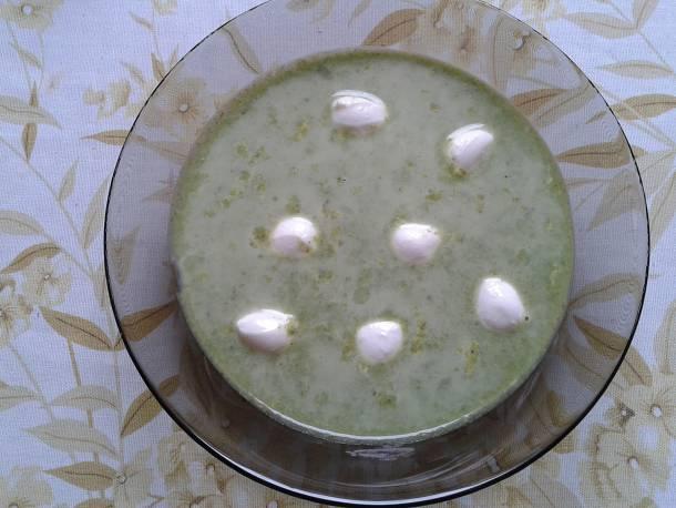 Mentás zöldborsóleves spenóttal