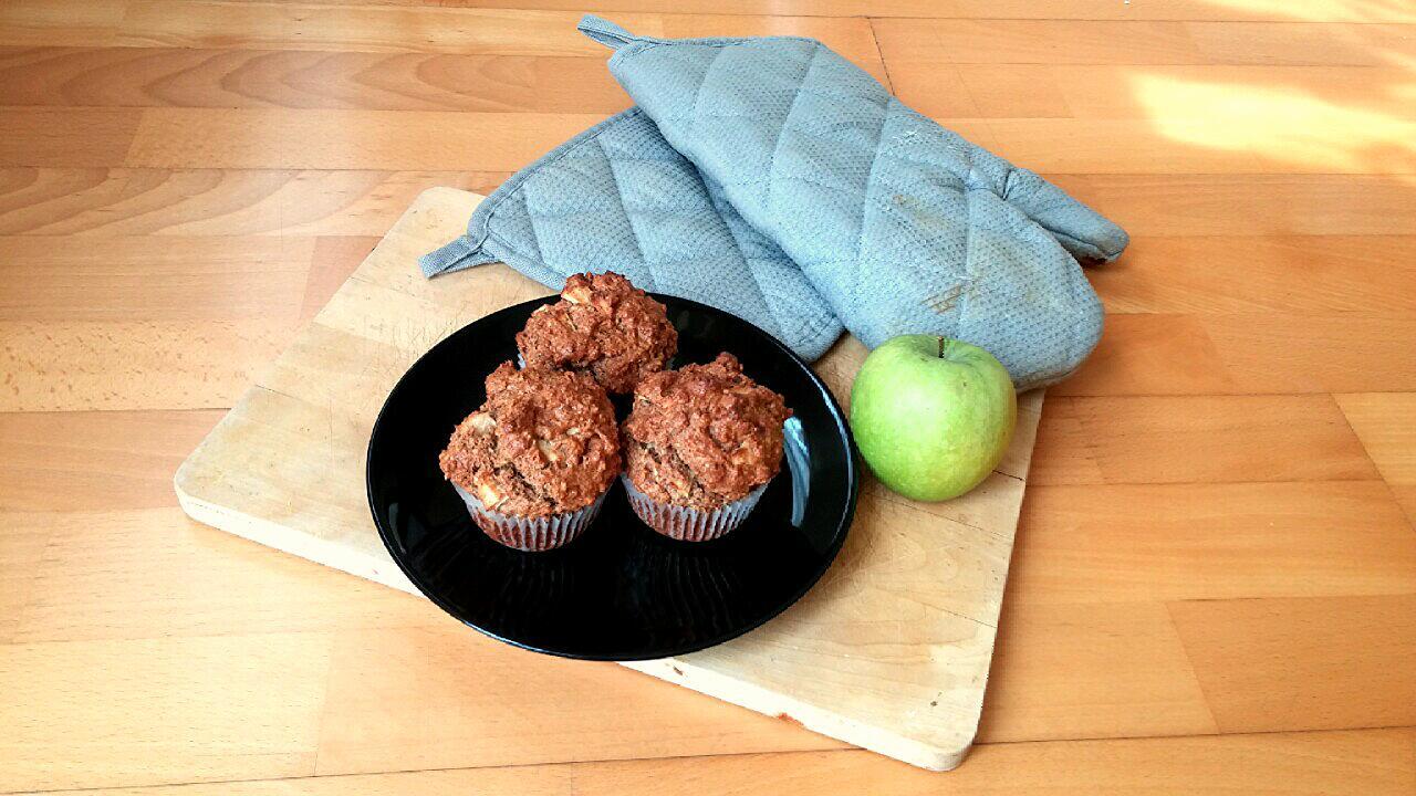 Fahéjas-almás zabpelyhes muffin