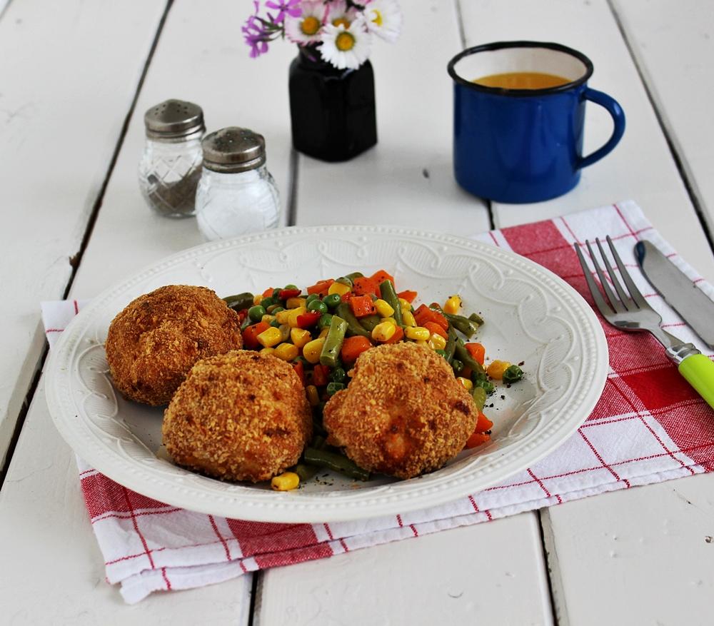 Csirkemellfasírt párolt zöldséggel