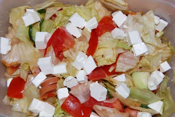 Fetás-virslis saláta