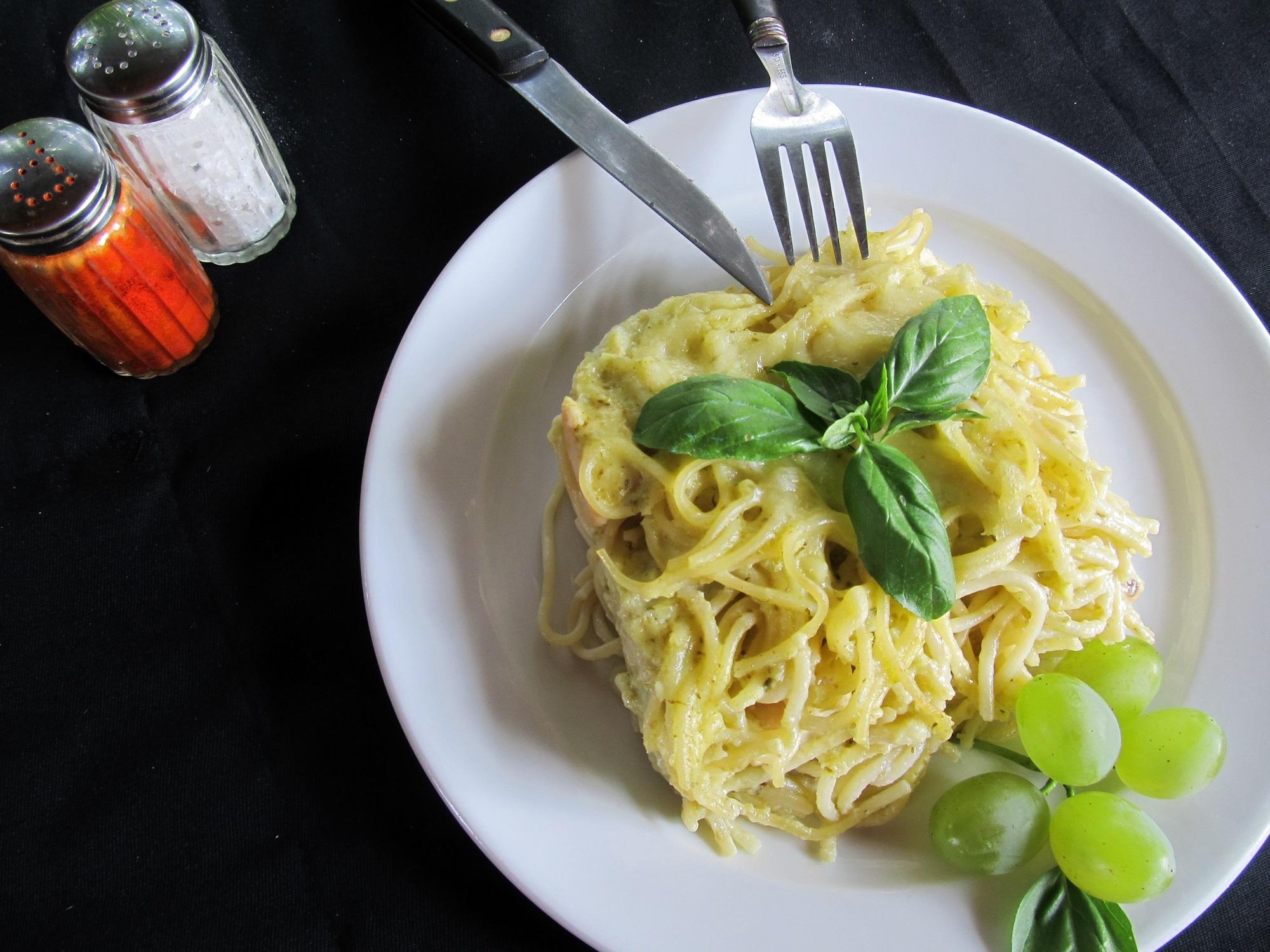 Zöld pestós rakott tészta