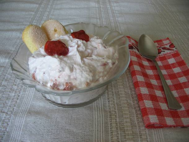 Epres-joghurtos krém