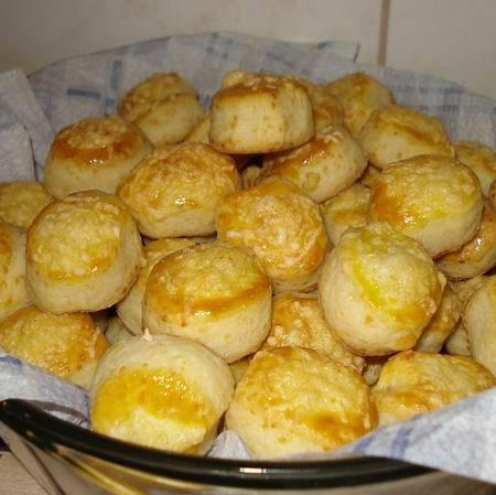 Egyszerű sajtos pogácsa
