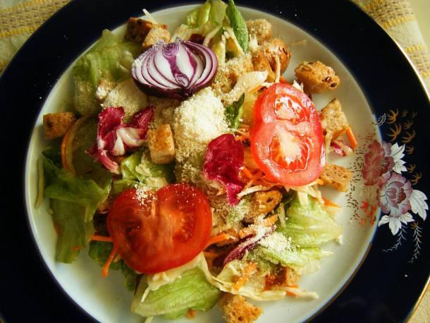 Bagett-saláta