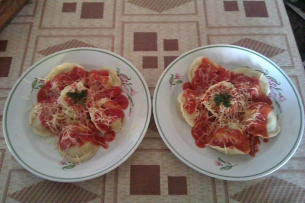 Tortellini paradicsomos mártással