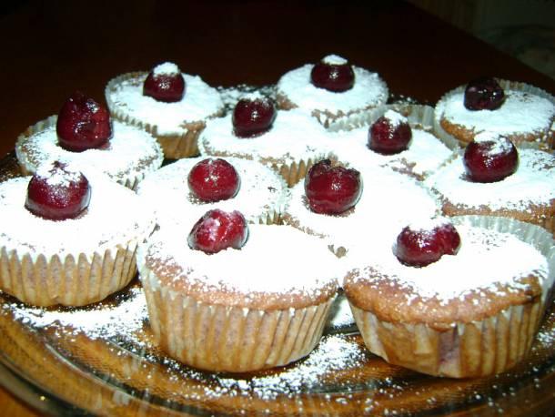Erdei gyümölcsös muffin pezsgőkrémmel