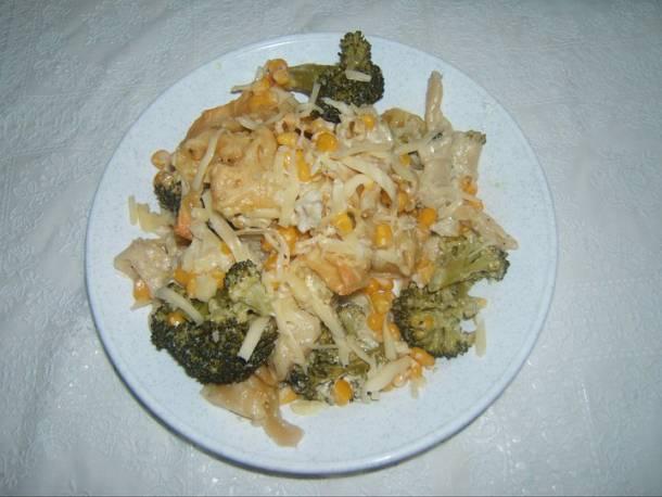 Brokkolis-kukoricás tejszínes tészta