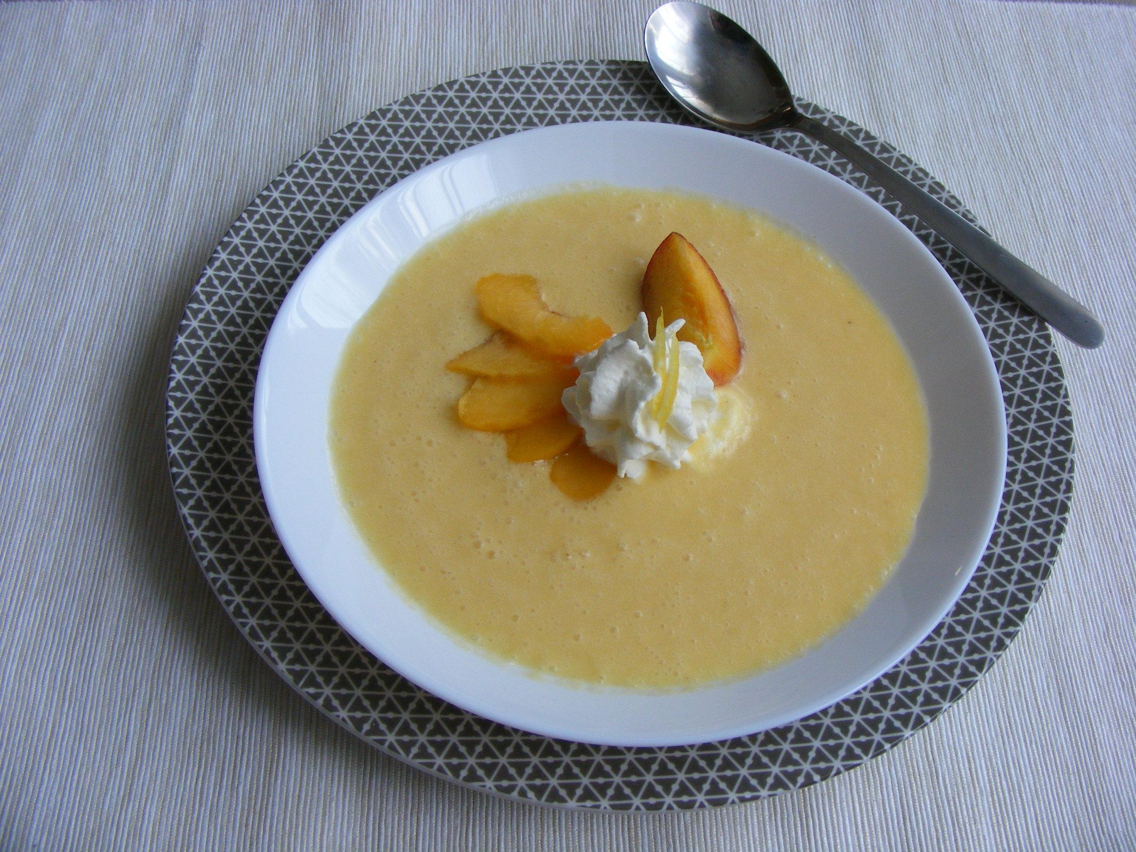 Joghurtos őszibarackleves