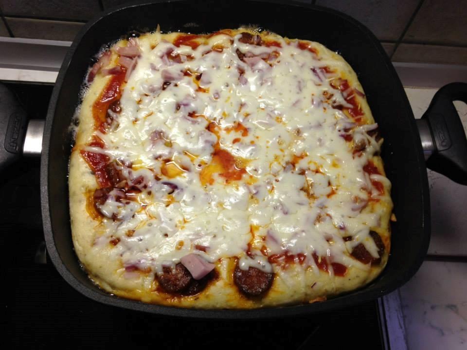 Kavarós pizza