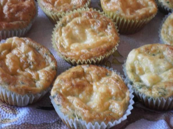 Sajtos-medvehagymás muffin