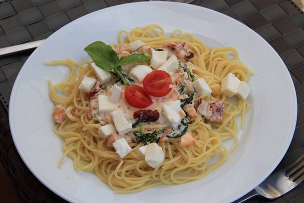 Tejszínes rákos spagetti