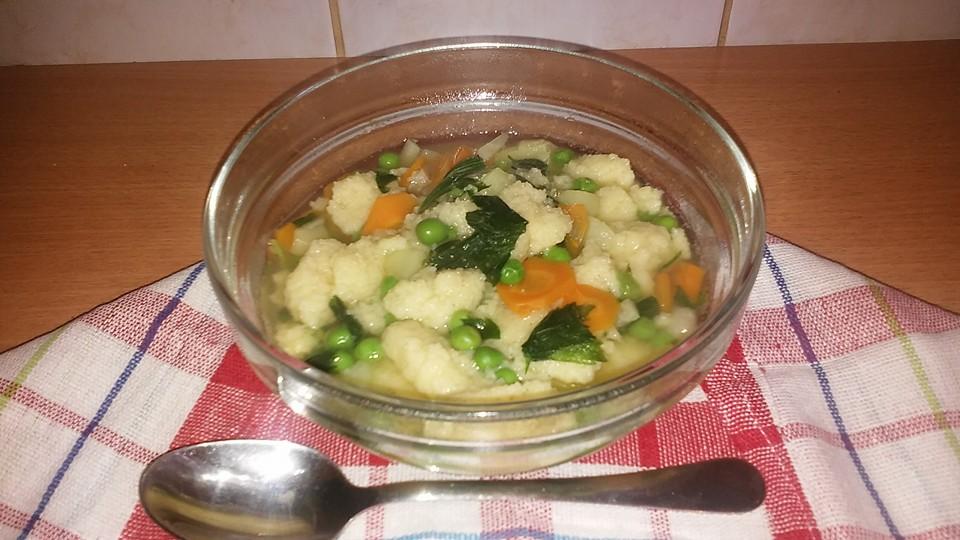 Zöldségleves grízgaluskával