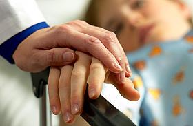 3 tipikus otthoni baleset, ami halásos lehet - Így mentsd meg a gyerek életét