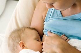 A 3 legjobb szoptatási testhelyzet - Bemutató videóval