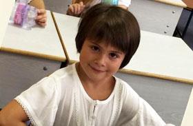 Ábel Anita lánya iskolás lett