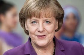 Angela Merkel Bagi iván