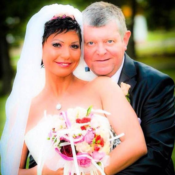 Az 51 éves Besenczi Árpád 2014 januárjában ismerte meg az Echo TV műsorvezetőjét, Nagy Kornéliát, akit áprilisban feleségül is vett, novemberben pedig a kislányuk is megszületett. 2016 februárjában kisfiuk is világra jött.