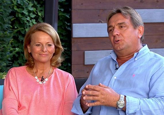 A 61 éves Böröndi Tamás és az 53 éves Götz Anna öt évvel ezelőtt szerettek egymásba, 2016 augusztusában össze is házasodtak.