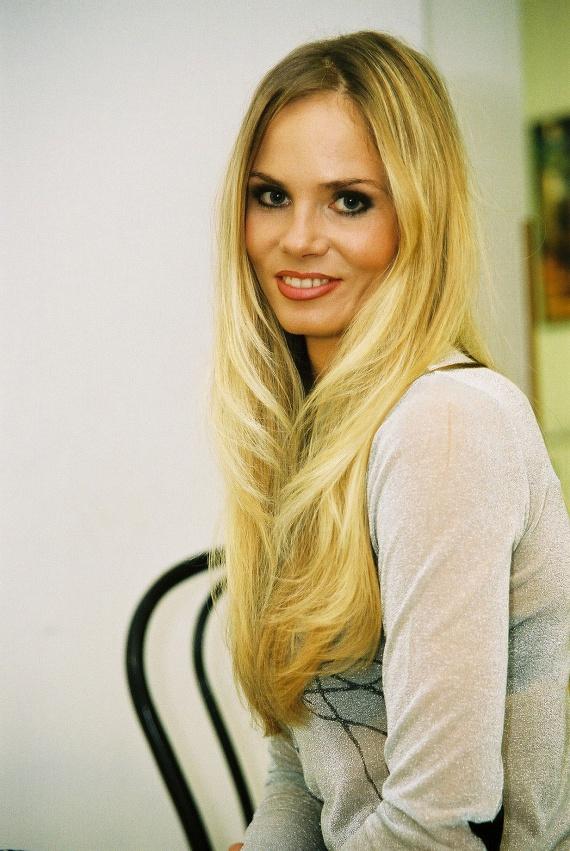 Brunner Márta hosszú, szőke hajával a legbájosabb magyar tévések közé tartozott.