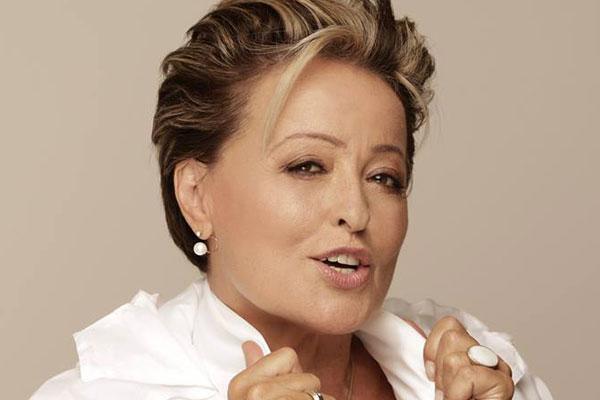 Fotó: a magyar műsorvezető 62 évesen ilyen jól néz ki ...
