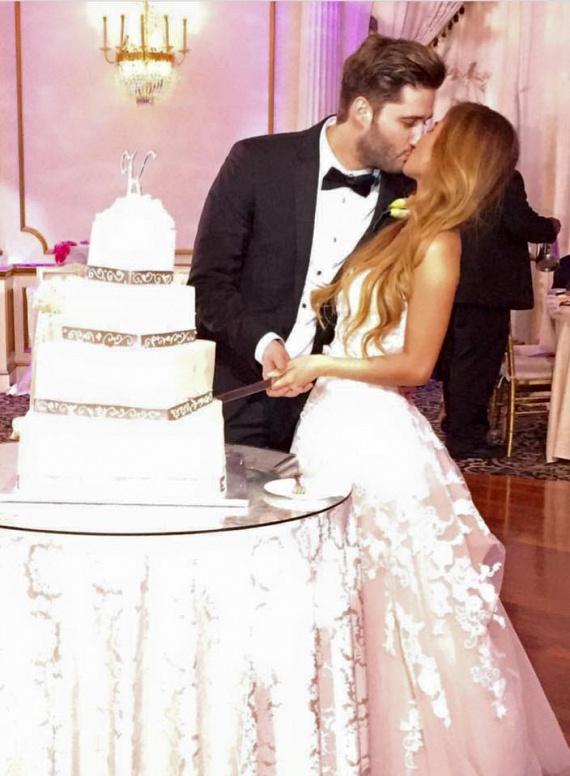 Király Benjámin 2015 szeptemberében jegyezte el a gyönyörű Jessicát, az esküvővel csak fél évet vártak.