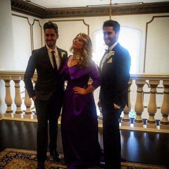 Március közepén öccse, Benjámin esküvőjén is a 2014-ban alakult Samea Noori szalon egyik kreációját viselte, amiért számtalan bókot zsebelt be.
