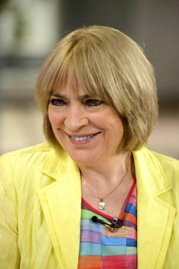 2016 októberében a Duna TV Ridikül című műsorában - még mindig remekül áll neki a sárga
