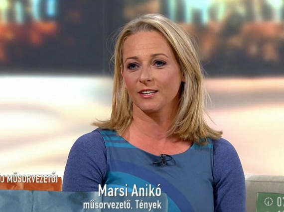 A TV2 Várkonyi Andreát váltó híradósa a keddi Mokkában már rövidebb tincsekkel szerepelt.