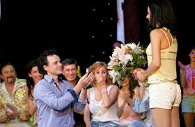 Sánta László lánykérés a színpadon