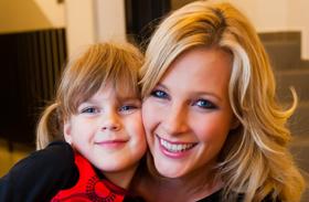 Várkonyi Andrea kislánya, Nóri, és más rádiósok gyerekei