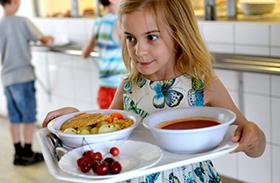 40 ezer gyerek éhezik