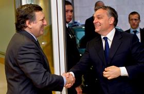 Nekünk telefonadó, Orbán hivatalának meg 1 milliárd forint kommunikációra