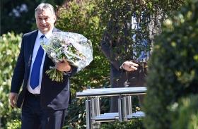 Orbán és a protokoll