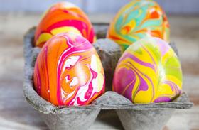 Húsvéti dekoráció: húsvéti tojás körömlakk